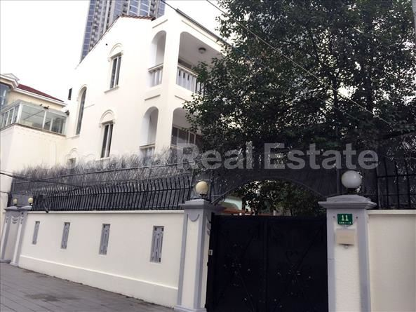 徐汇区,oldhouse,6室2厅3卫303平米,RMB       140000元/月