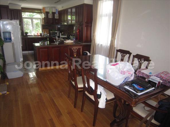 长宁区,公寓,4室2厅4卫250平米,RMB       50000.00元/月