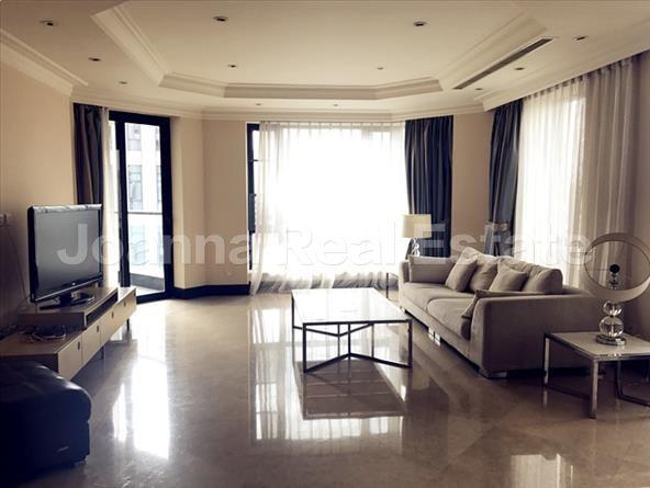 徐汇区,服务式公寓,3室2厅2卫217平米,RMB       34000元/月