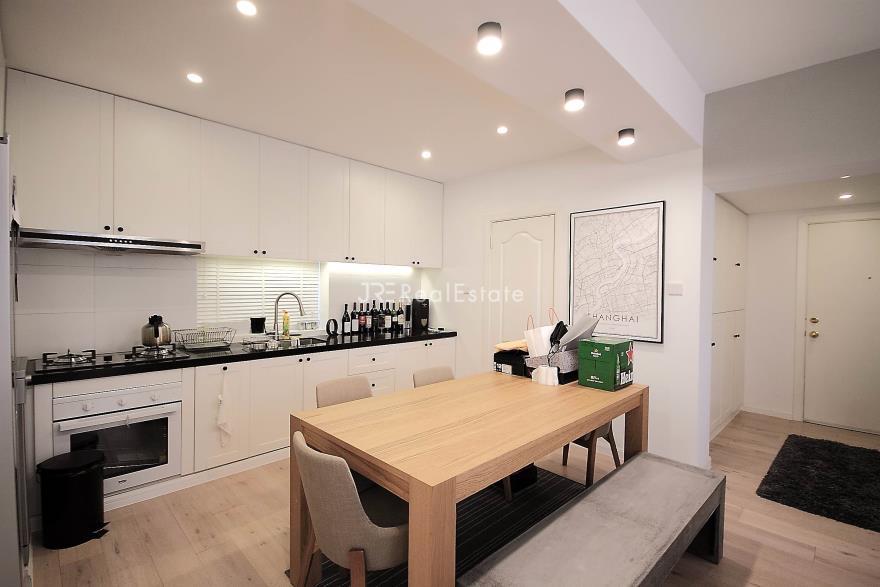 徐汇区,服务式公寓,2室2厅2卫126平米,RMB       30000.00元/月