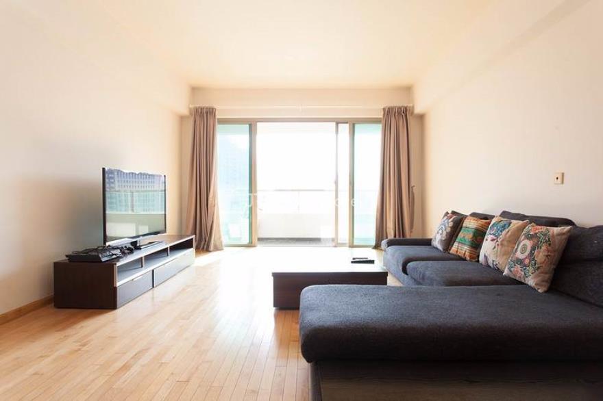 静安区,公寓,4室2厅2卫182平米,RMB       26000元/月