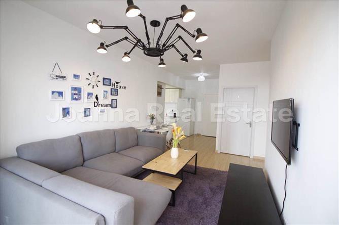 静安区,公寓,5室2厅2卫170平米,RMB       22000.00元/月