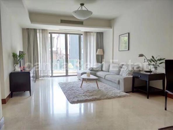 静安区,公寓,3室2厅2卫156平米,RMB       26900.00元/月