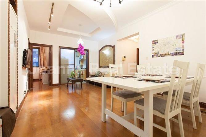 静安区,公寓,3室2厅2卫135平米,RMB       15000.00元/月