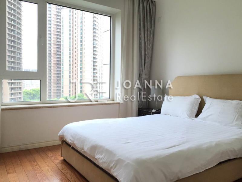 浦东新区,公寓,3室2厅2卫205平米,RMB       30900.00元/月