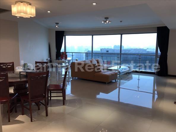 浦东新区,公寓,4室2厅3卫280平米,RMB       38000.00元/月